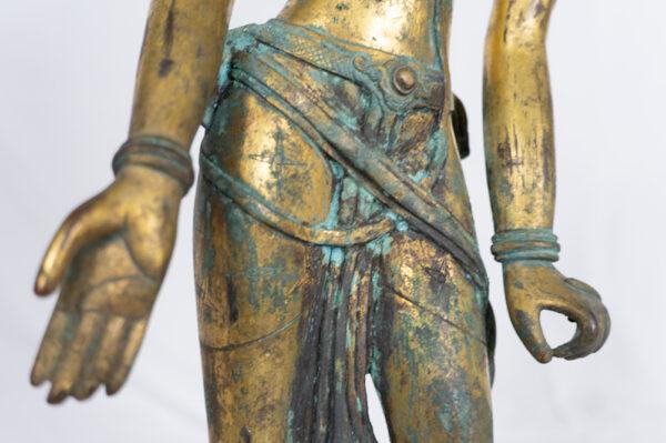 S202000030 十三十五世紀 尼泊爾 鎏金銅蓮花手菩薩立像中